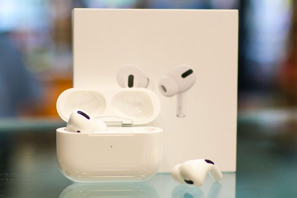 Airpods Pro brancos com caixa