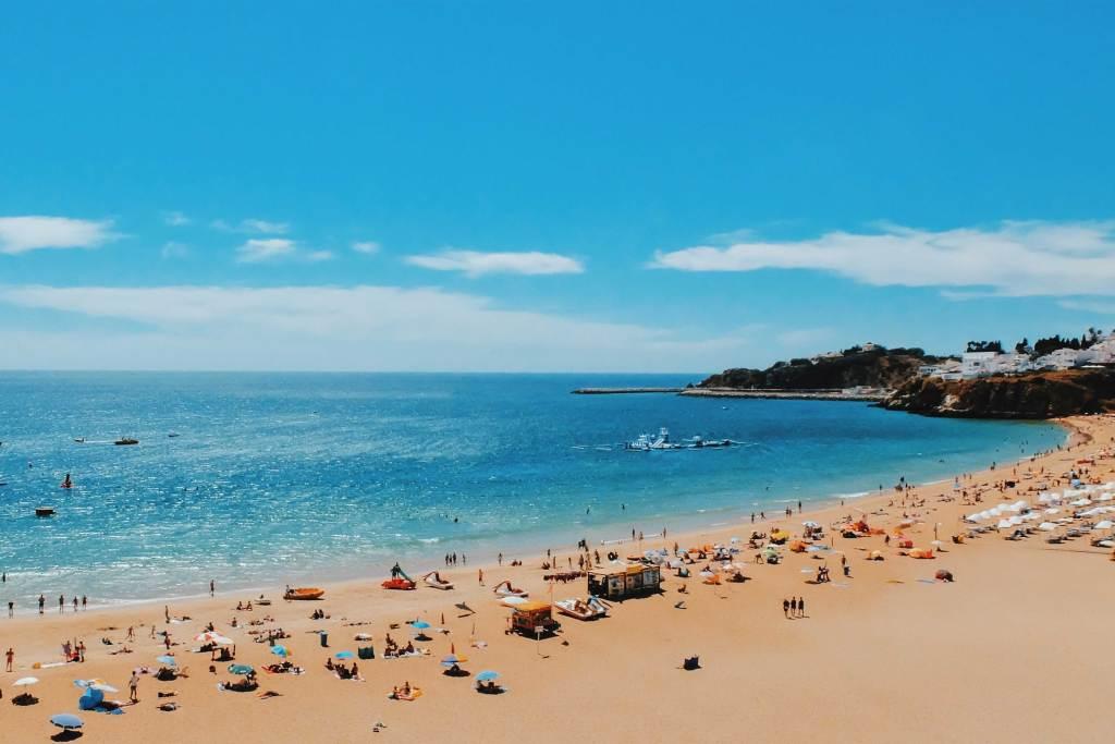 Conhece as melhores praias de Portugal? title