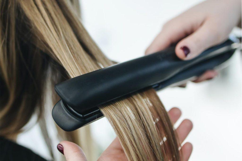 Como escolher o melhor alisador de cabelo em 5 passos title