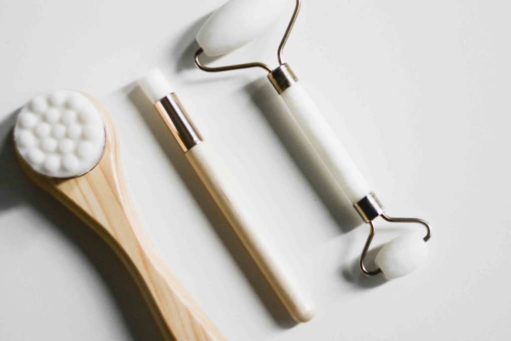 Conjunto de ferramentas e escovas faciais