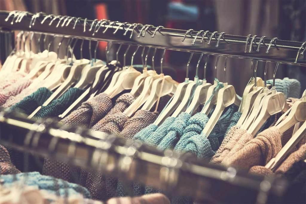 Fast fashion: sabes qual é o impacto ambiental da roupa que compras? title