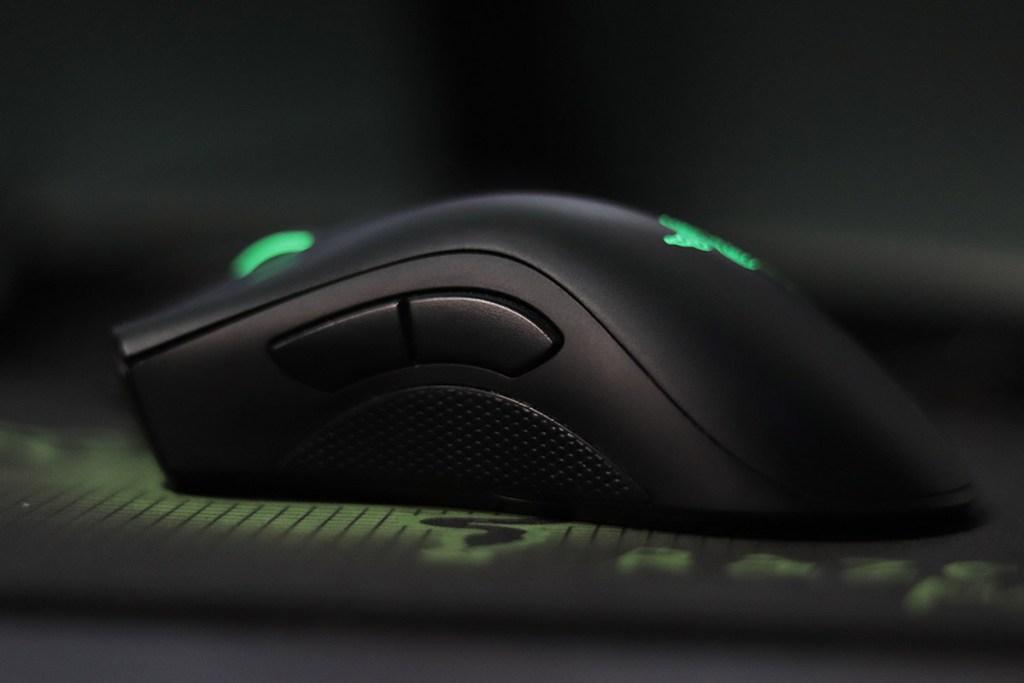 Rato gaming Razer Deathadder Chroma