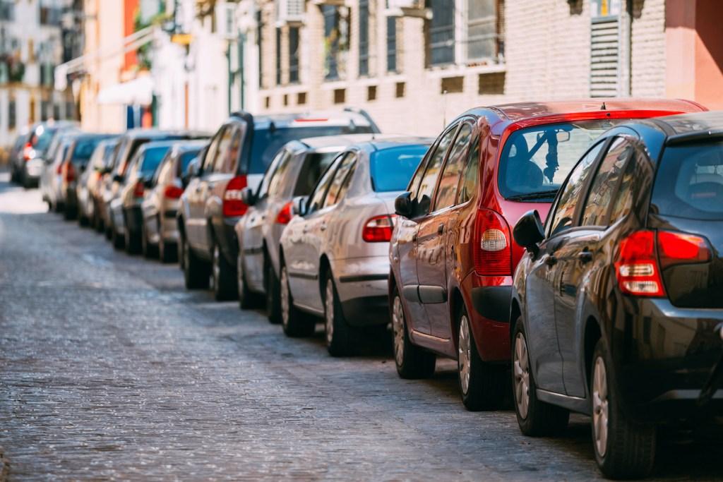 5 citadinos usados à venda no OLX por menos de 10.000€ title