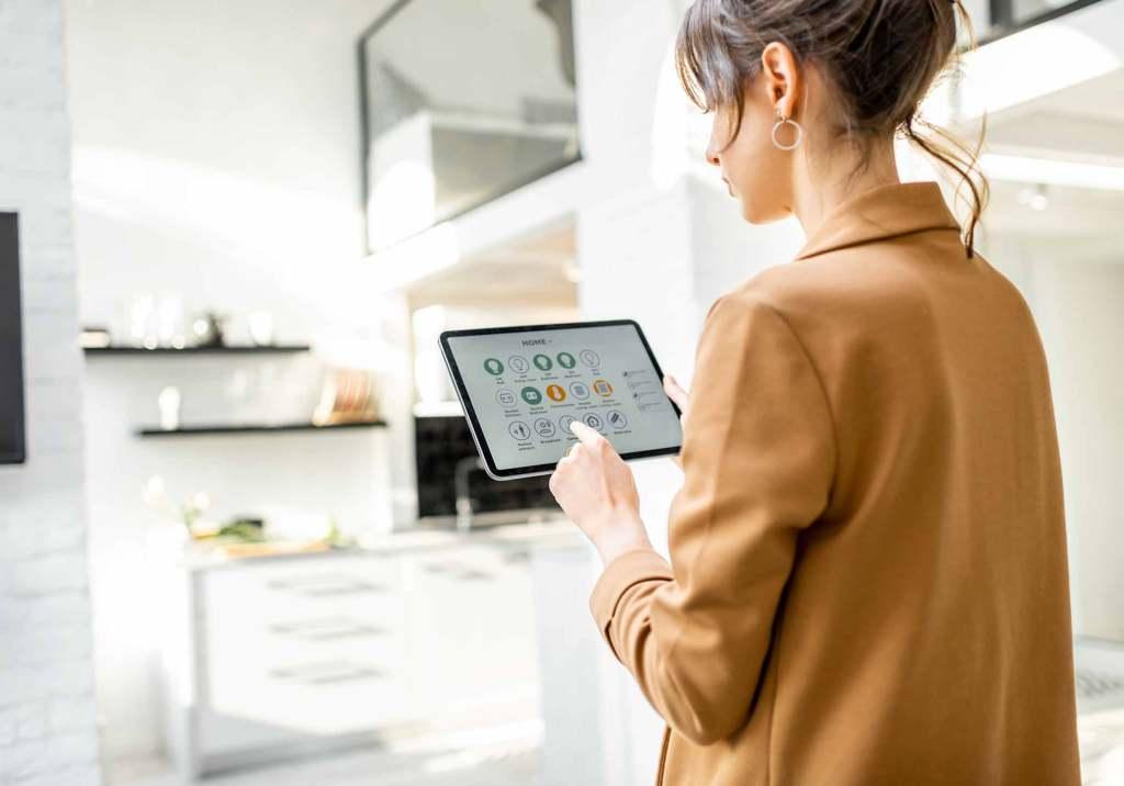 Casa inteligente: 9 dispositivos para poupar energia title