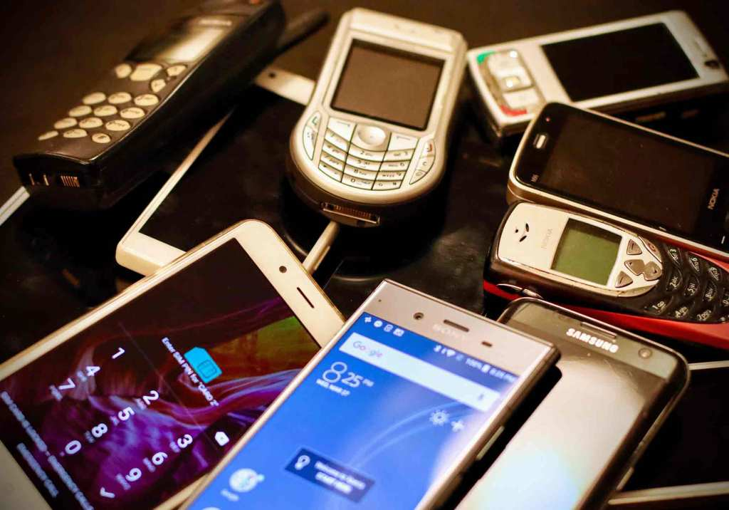 Quanto valem os teus telemóveis antigos? title