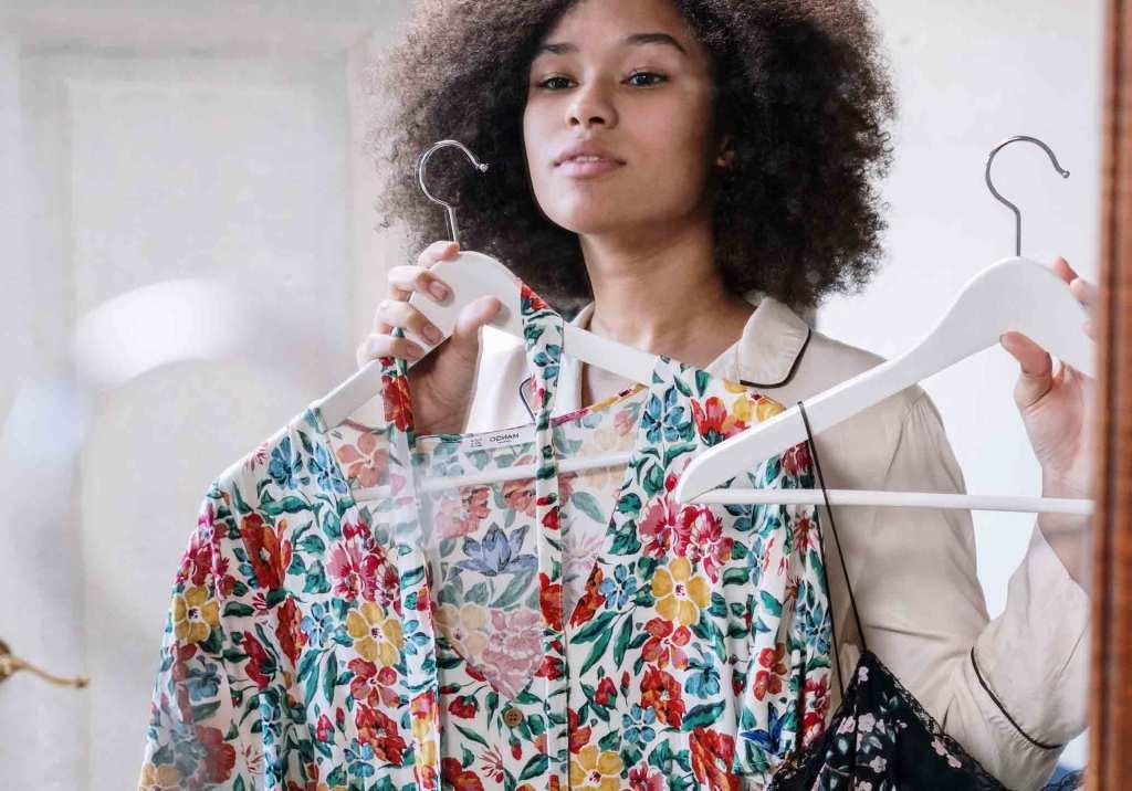 12 dicas para vender roupa usada title