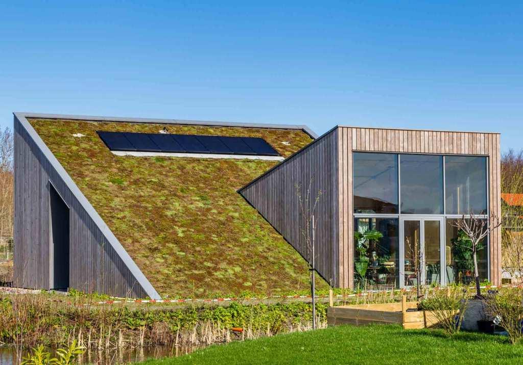 Casas auto sustentáveis: o que são e como funcionam? title