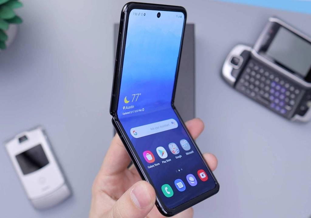 Telemóveis dobráveis: os smartphones de 2021 title