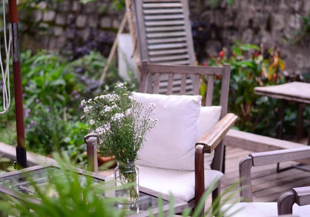Decoração de jardim: 14 ideias práticas e baratas title