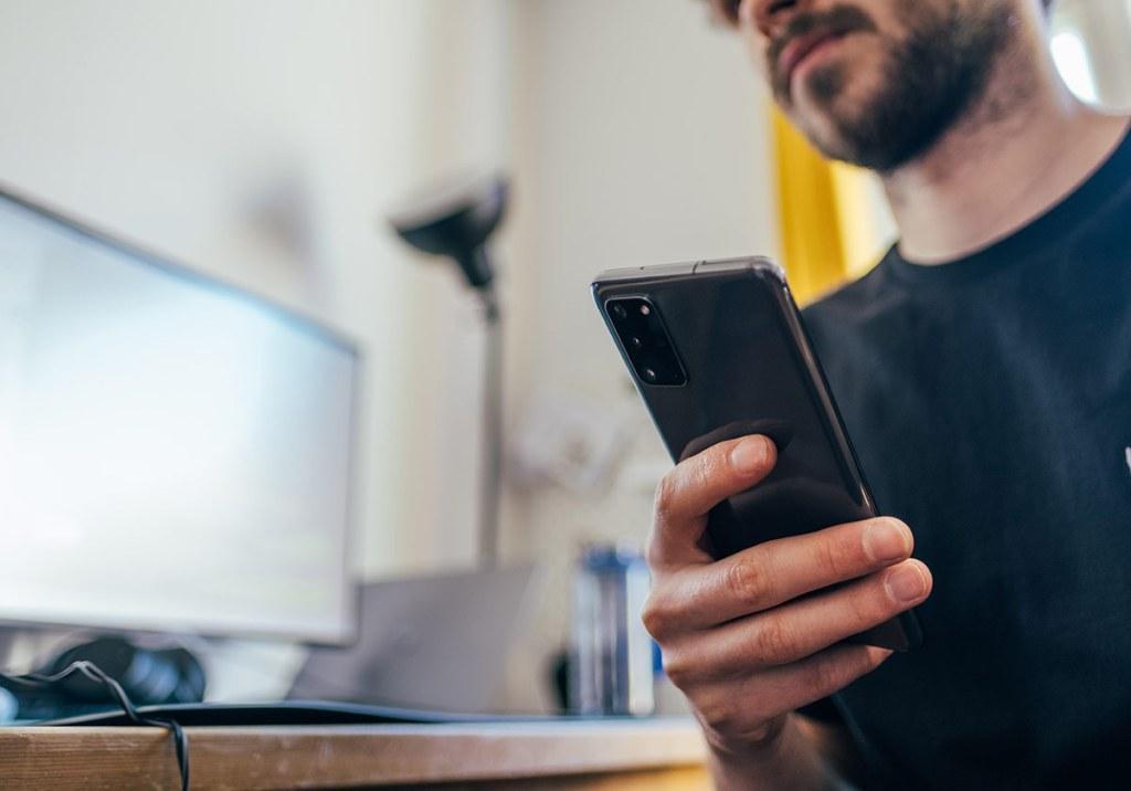 Os 10 melhores telemóveis baratos por menos de 150€ title