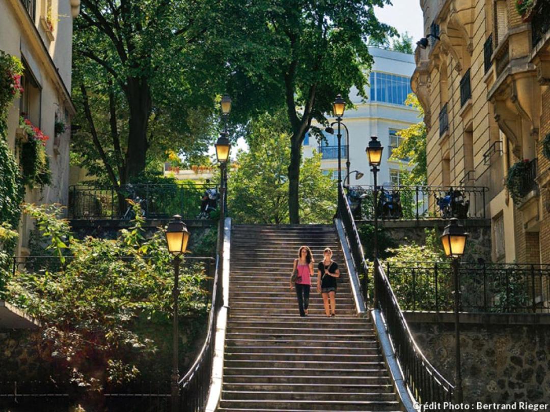 Escalier exterieur à Montmartre