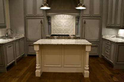 Galloway Transitional Bar Bracket & Fluted Acanthus Island Leg