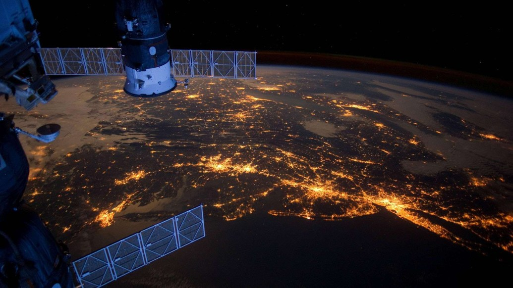 38271_earth_night_earth_view_from_iss