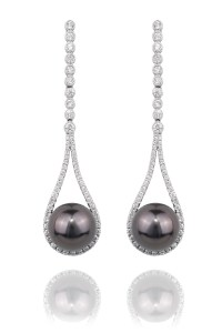 Oster Pearls 10mm Tahitian Pearl Teardrop Earrings | Oster Jewelers
