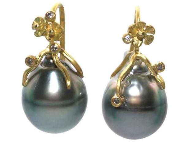 04 Lene Vibe Grey Tahitian Pearl Earrings-