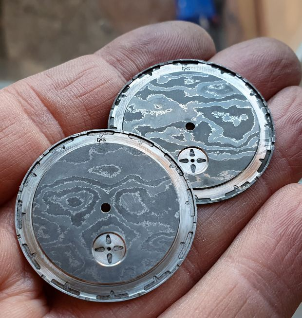 Creating the damascus dial