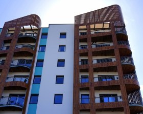 building-1615676_1920-1