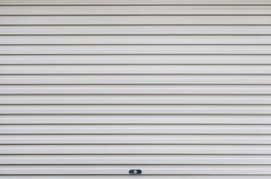casa fresca por más tiempo con la persianas abajo