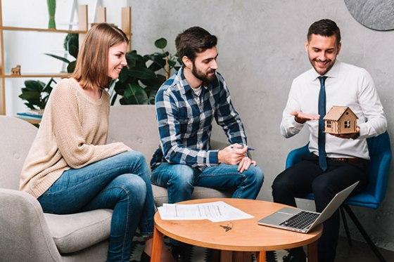Asesor inmobiliario clave para la vente de un piso