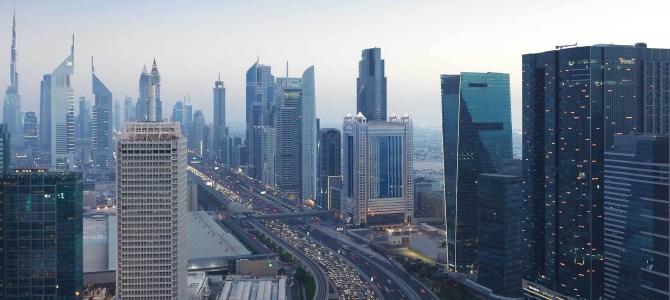 Auto a Dubai: come la guida autonoma cambierà la città