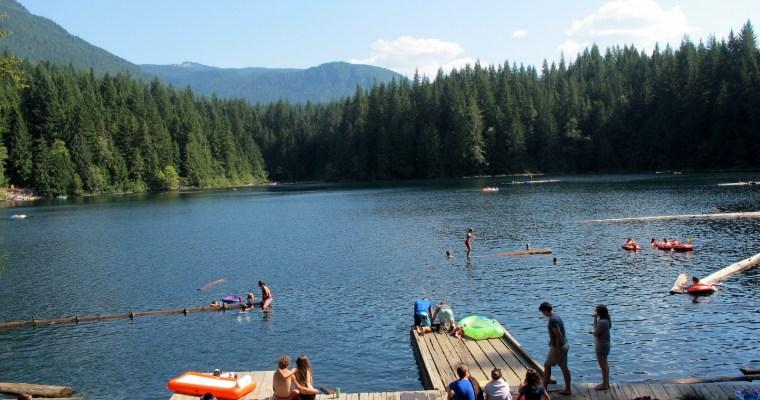【露露營】熱辣辣的夏天哪裡露?全台玩水營區30選