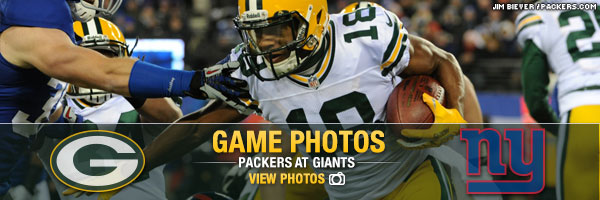 Game Photos Packers at Giants