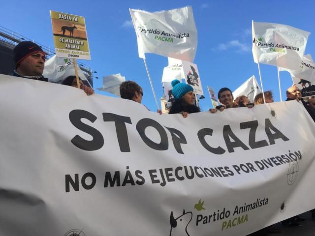 Concentracion PACMA Stop Caza