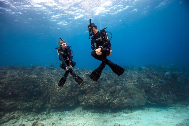Peak Performance Buoyancy - Blue Water - Scuba Diving