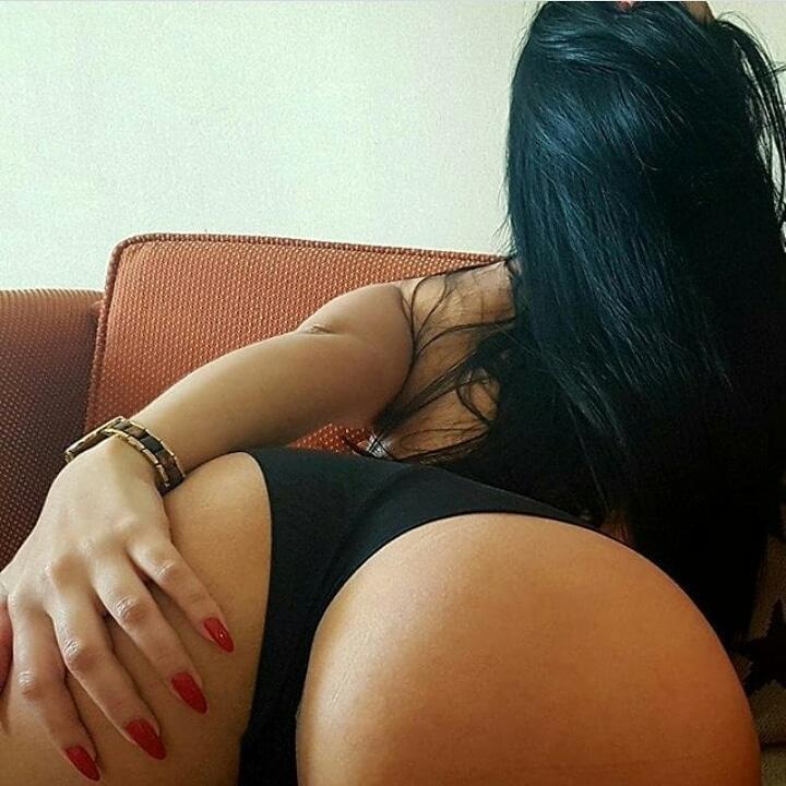 camgirl-brasileira-rabuda-morena