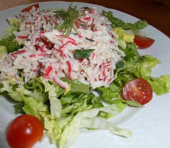 Salát se surimi