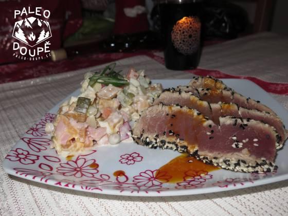 Tuňákový steak s omáčkou
