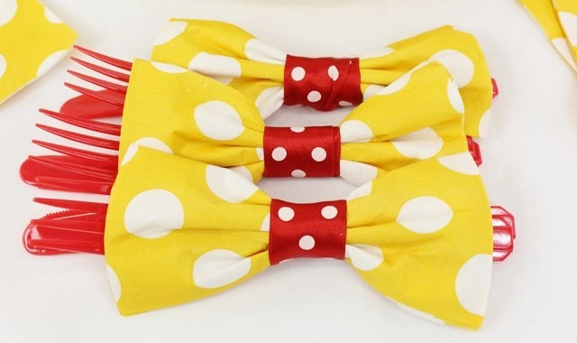 Pretty And Easy Bow Tie Napkin Folding Party Delights Blog