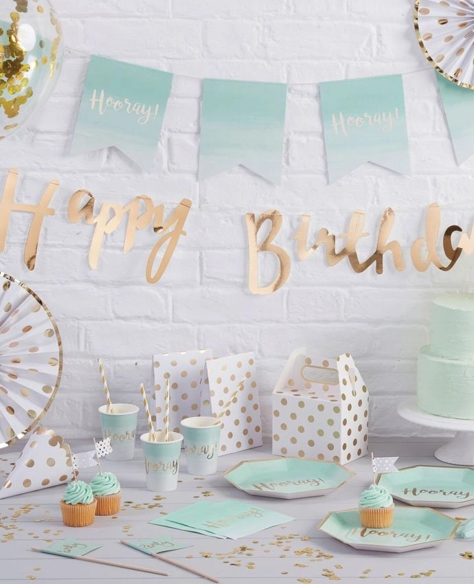 Teenage Girl Room White And Gold Polka Dot Wallpaper Mint Green Amp Gold Party Ideas Party Delights Blog