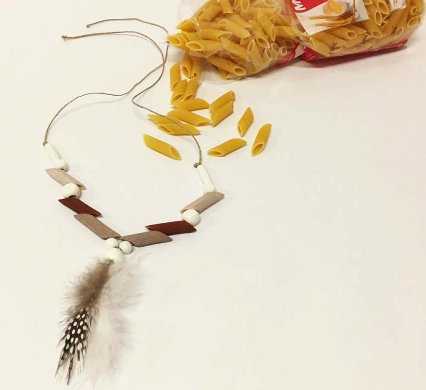 Indiánský náhrdelník z těstovin Penne