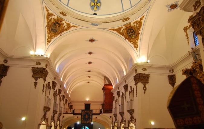 Interior de la Iglesia de San Francisco.