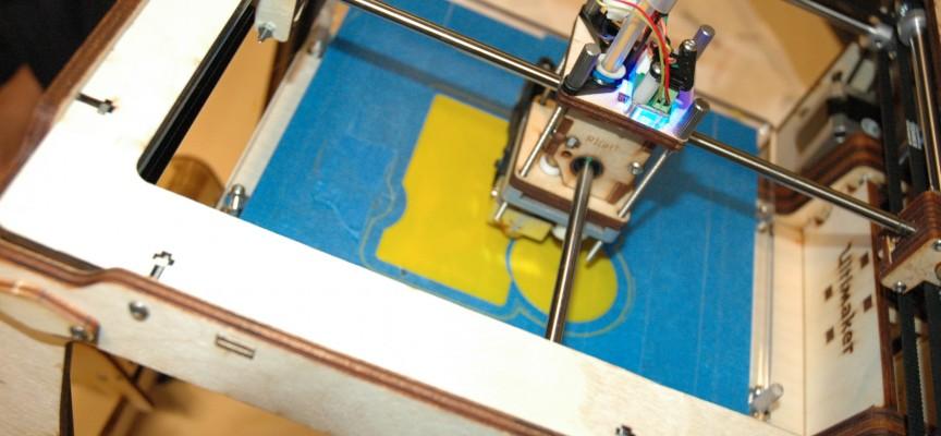 Au fablab, on peut notamment utiliser la technologie de l'imprimante 3D.
