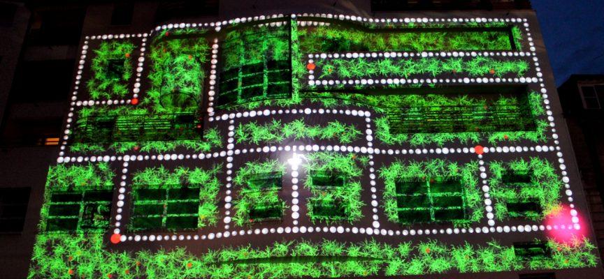 Les anciens jeux vidéo font désormais partie de la culture! Ici, une installation géante de Superbe Interactive.