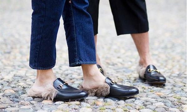 Sapato com pelúcia