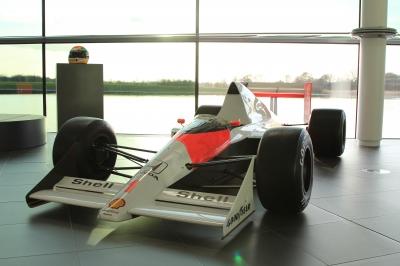 【動画】The Racers