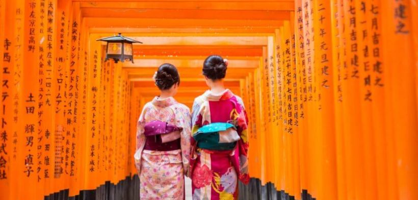 japan tourist destination, japan, fushimi inari, geisha, kyoto, things to do in japan, instagrammable place in japan,