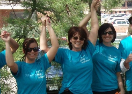 """PatientsLikeMe Member """"NewLife"""" and Team at the St. Louis Walk MS Event"""