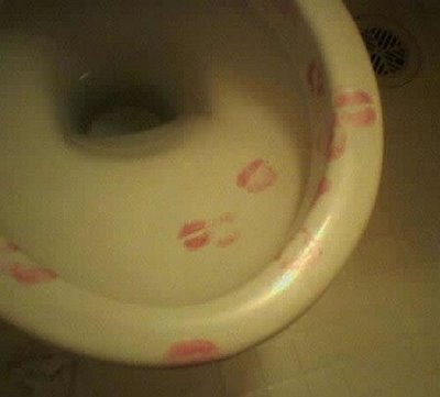 kissing toilet