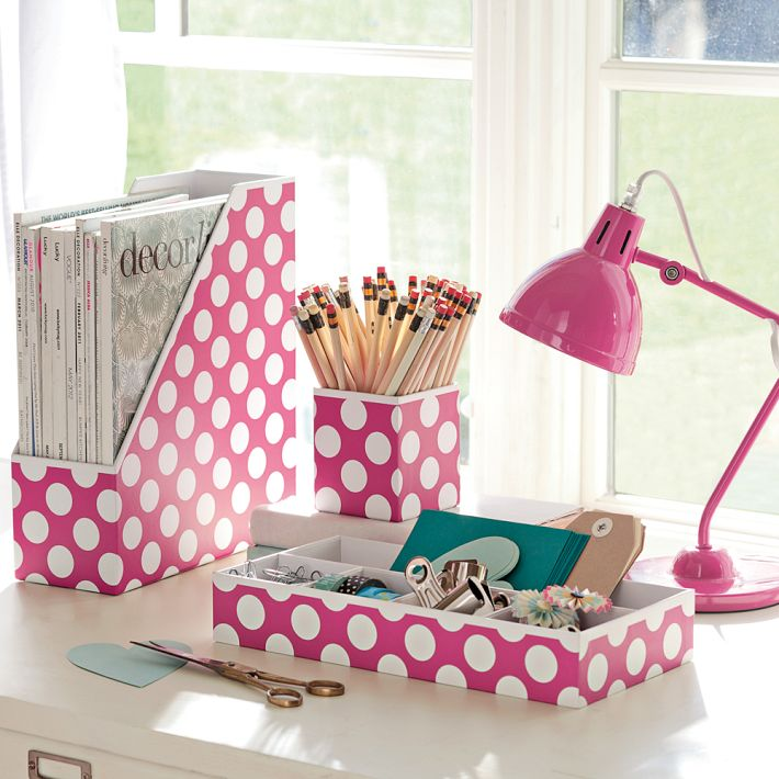 4 Tips for a More Organized Dorm Room