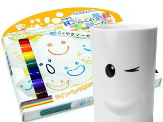 Make your own original items by simply drawing on ceramics