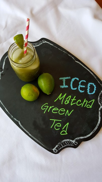 Iced Matcha Green Tea with lemons