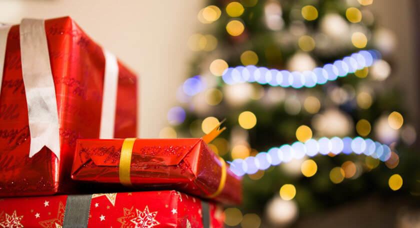 Christmas Tags & Gift Wrap