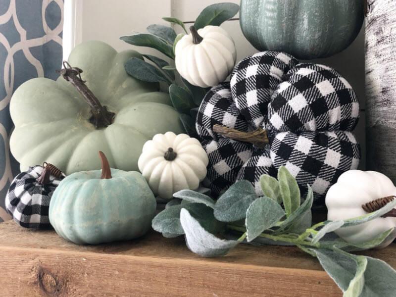 Plaid Fall Farmhouse Decor Ideas