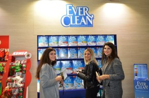 item_everclean_with_customers