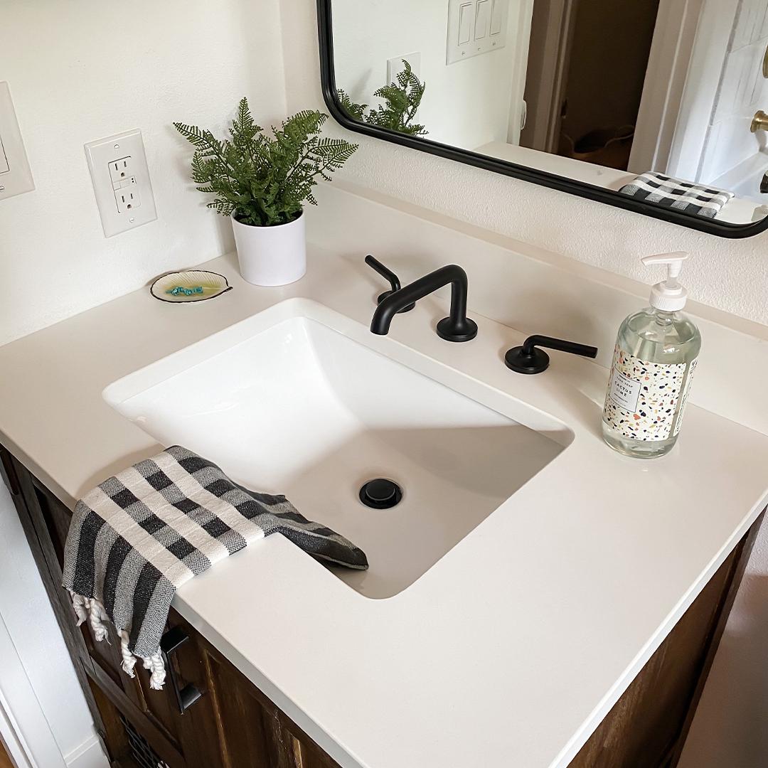 decorating around a pedestal sink