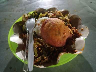 Mein Nasi Camur auf dem Nachtmarkt